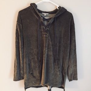 American Eagle Outfitters Tops - AE Latice Tie Front Shirt